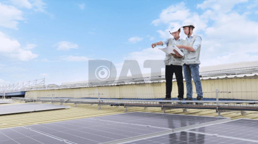 Các tấm pin mặt trời hiện đại thường được chế tạo để tồn tại lâu dài