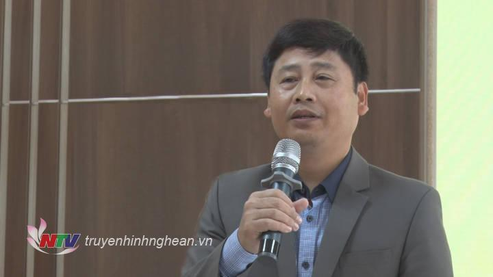 Đồng chí Trần Minh Ngọc - Giám đốc Đài PT-TH Nghệ An, Chủ tịch Hội Nhà báo tỉnh phát biểu tại hội nghị.