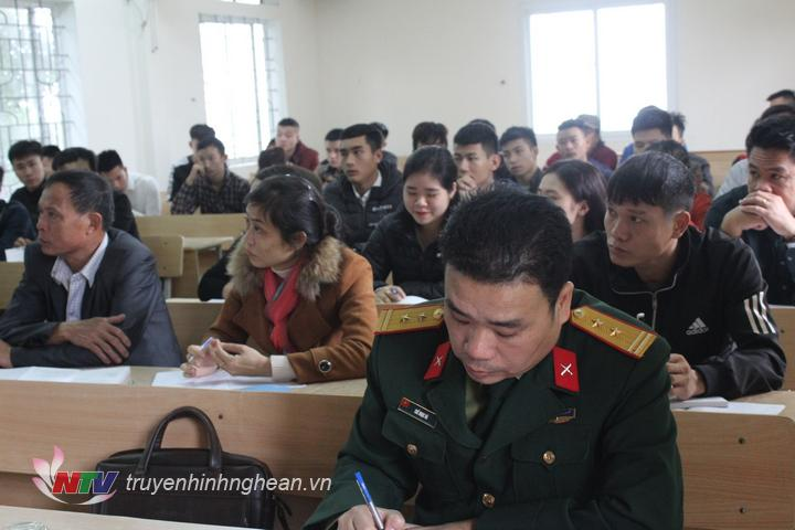 Các học viên tham gia lớp bồi dưỡng.