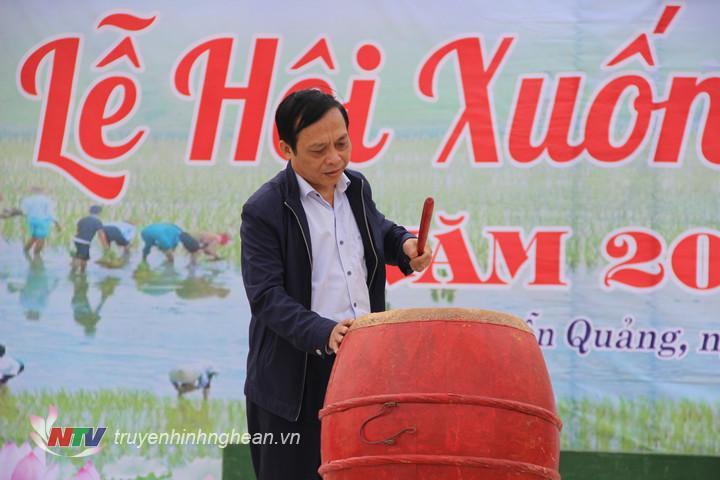 Hội Nông dân tỉnh đánh trống phát động lễ hội