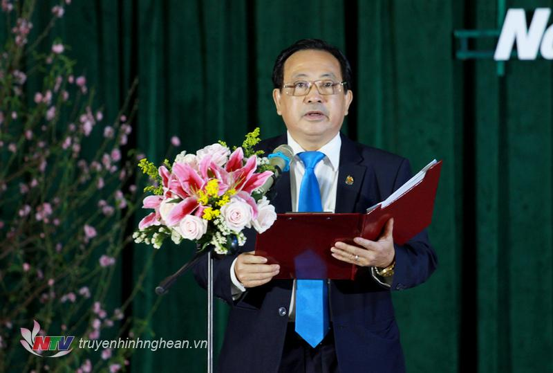 Ông Trần Duy Ngoãn – Chủ tịch Hội Nhà báo tỉnh Nghệ An lên phát biểu khai mạc chương trình.