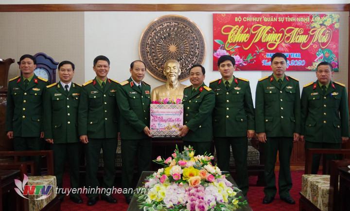 Chinh ủy Bộ Tư Lệnh Quan Khu 4 Thăm Va Chuc Tết Bộ Chqs Tỉnh Va Sư đoan 324 đai Phat Thanh Va Truyền Hinh Nghệ An