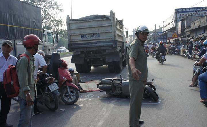 Chỉ tính riêng trong ngày hôm nay (28/1, tức mùng 4 Tết), toàn quốc xảy ra 36 vụ TNGT, làm chết 20 người, bị thương 42 người.
