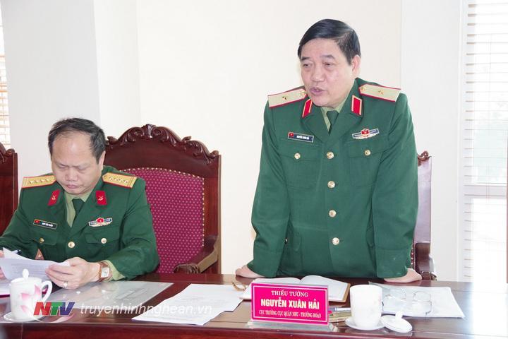 Thiếu tướng Nguyễn Xuân Hải, Cục trưởng Cục Quân nhu, trưởng đoàn kiểm tra TCHC phát biểu kết luận nội dung kiểm tra công tác hậu cần của QK4 (Hoàng Anh)