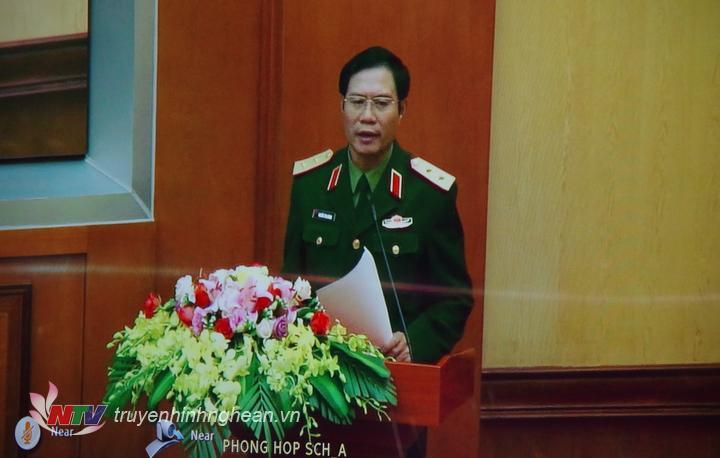 Trung tướng Nguyễn Tân Cương, Ủy viên Trung ương Đảng, Phó Tổng tham mưu trưởng QĐNDVN chủ trì hội nghị.