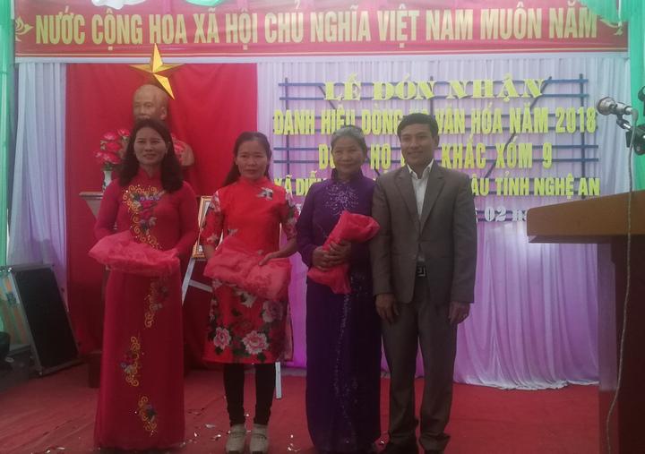 Dòng họ Cao Khắc, Diễn Yên trao quà cho nàng dâu tiêu biểu của năm