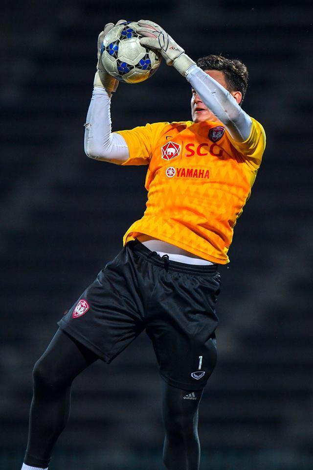 Văn Lâm cần thêm thời gian hòa nhập với các đồng đội mới tại Muangthong United.Ảnh: Muangthong