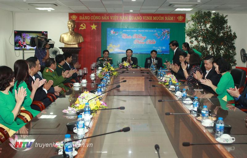 Quang cảnh buổi gặp mặt Phó Thủ tướng Vương Đình Huệ tại đài PTTH Nghệ An.