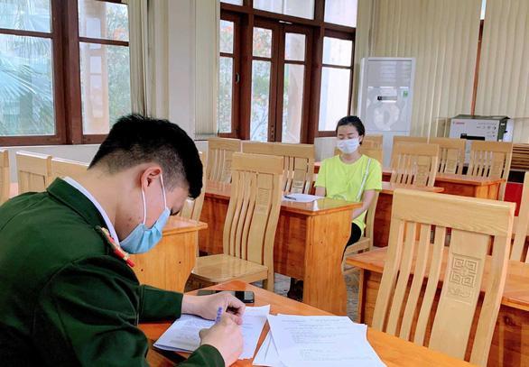 Nữ công nhân từ Cẩm Giàng (Hải Dương) về Mạo Khê (Quảng Ninh) bị phạt 25 triệu đồng.