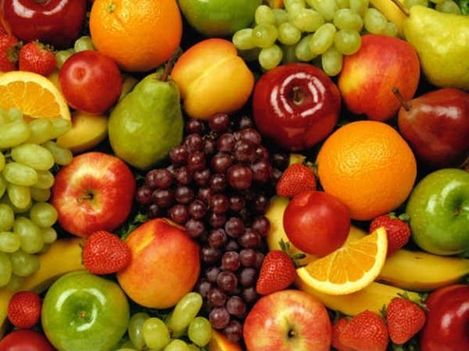 Trái cây: Thành phần trong các loại trái cây chứa nhiều vitamin, khoáng chất và kali giúp duy trì sự cân bằng của chất lỏng trong cơ thể. Do đó, dùng trái cây trước khi uống rượu bia cũng là cách hiệu quả để bảo vệ sức khoẻ của bạn.