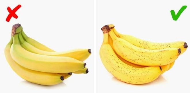 Sai lầm thường mắc phải là chọn hoa quả chín vì trông đẹp mắt hơn.