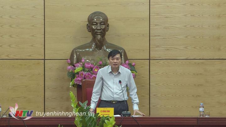 Phó Chủ tịch UBND tỉnh Lê Hồng Vinh phát biểu kết luận cuộc họp.