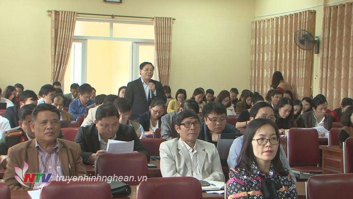 Đại diện các cơ quan báo chí phát biểu ý kiến tại hội nghị.