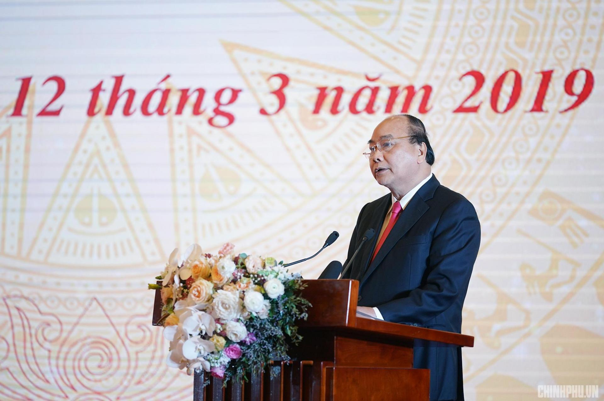 Thủ tướng Chính phủ Nguyễn Xuân Phúc phát biểu tại Lễ khai trương Trục liên thông văn bản quốc gia. Ảnh VGP/Quang Hiếu