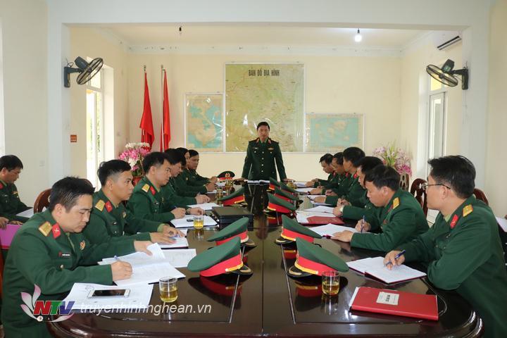 Thiếu tướng Hà Thọ Bình – Phó Tư lệnh, Tham mưu trưởng Quân khu 4 làm việc với Trung đoàn 764 – Bộ CHQS tỉnh Nghệ An.