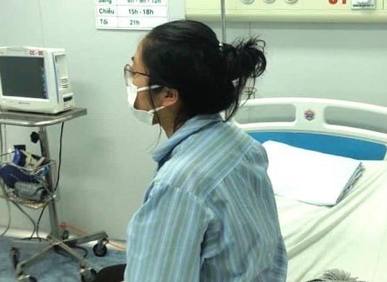 Bệnh nhân Nhụng tại Bệnh viện bệnh Nhiệt đới Trung ương chiều 7/3. Ảnh: Bệnh viện cung cấp.