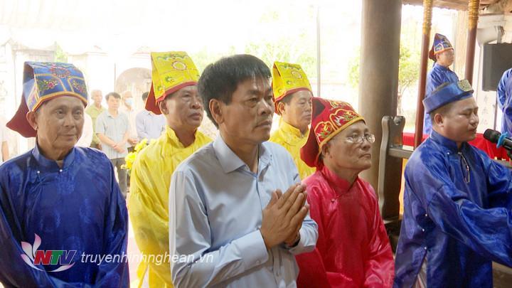 được Chính quyền huyện Diễn Châu và xã Diễn An cử hành trang trọng,