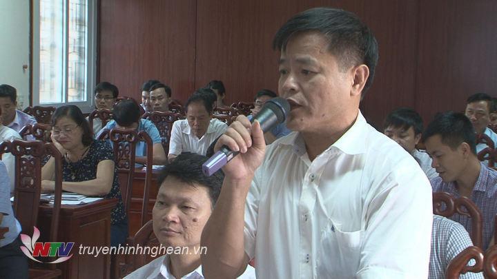 Các đại biểu phát biểu tại hội nghị.