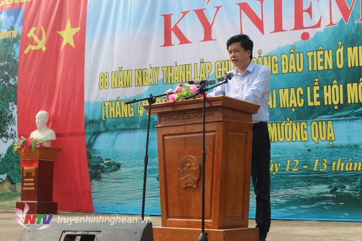Lãnh đạo huyện Con Cuông đọc diễn văn ôn lại