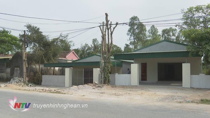 Không chỉ xây dựng ki ốt mà người dân còn xây nhà ở kiên cố