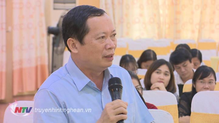 Đại diện lãnh đạo Ban Dân tộc phát biểu tại hội nghị.