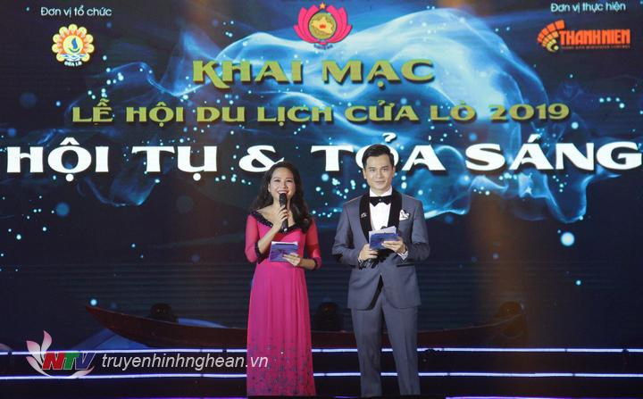 2 MC: Danh Tùng - Mỹ Lan dẫn dắt chương trình.