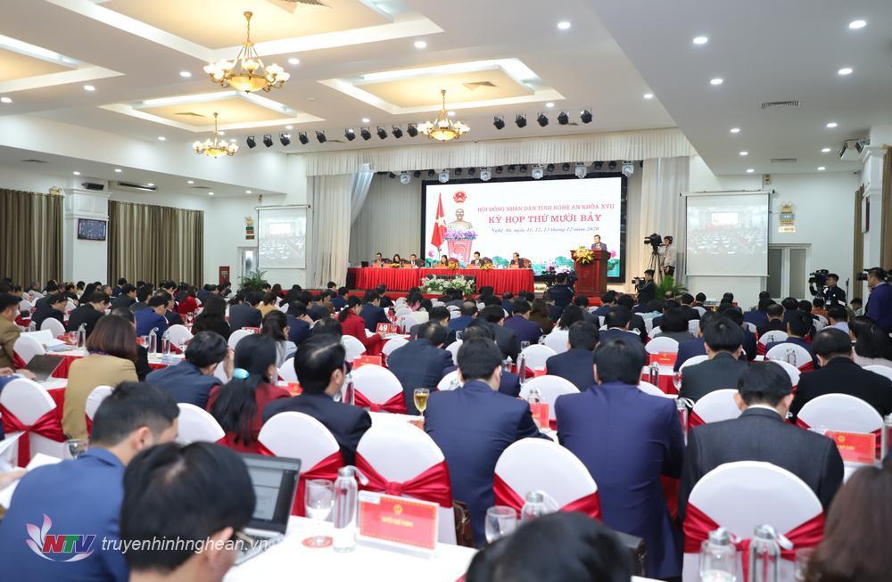 Toàn cảnh phiên khai mạc kỳ họp thứ 17 HĐND tỉnh.