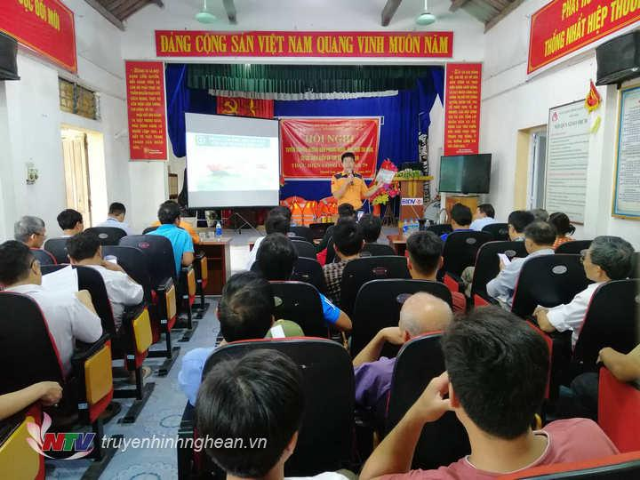 Đông đảo người dân tham gia tập huấn.