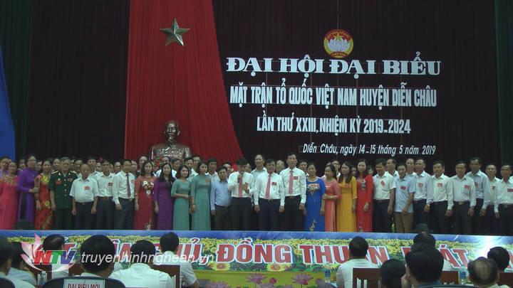 Ra mắt 72 vị ủy viên Ủy ban MTTQ huyện Diễn Châu khoá XXIII, nhiệm kỳ 2019- 2024.