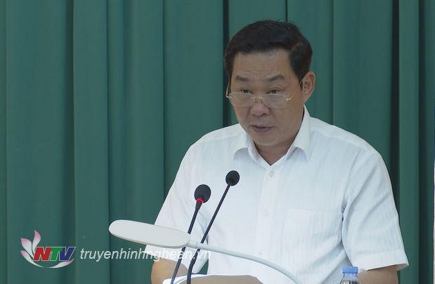 Phó Chủ tịch UBND thành phố Hà Nội Lê Hồng Sơn báo cáo kết quả hợp tác giữa thành phố Hà Nội và Nghệ An.