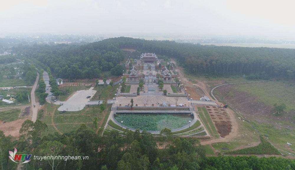 Đền thờ Chung Sơn nhìn từ trên cao.