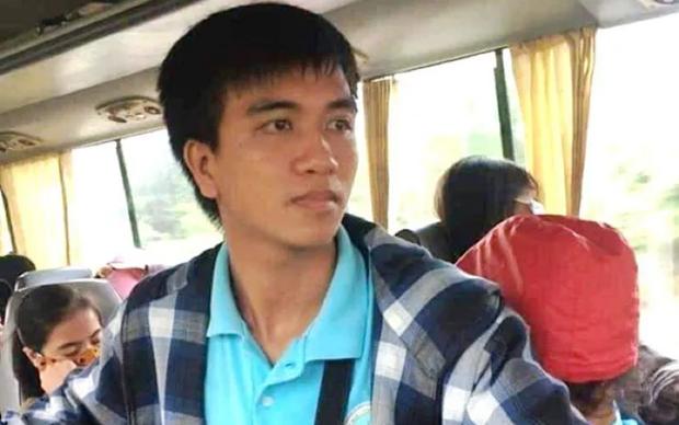 Em Nguyễn Văn Nhã là sinh viên năm thứ tư ngành Công nghệ thông tin, Trường Đại học Khoa học, Đại học Huế.