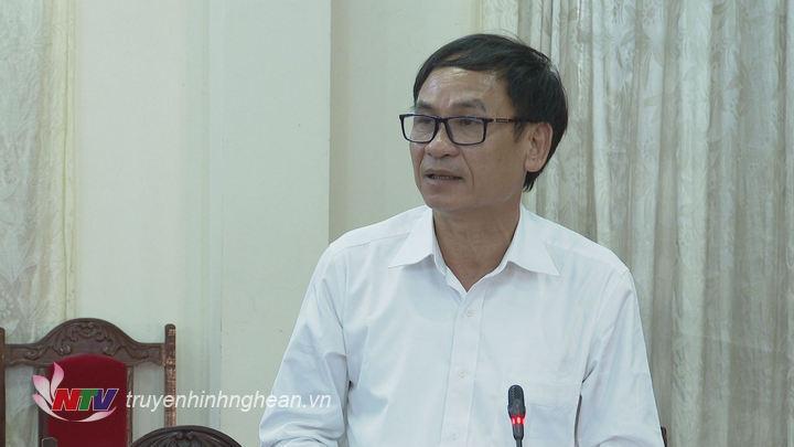 Bí thư Thị ủy Hoàng Mai Võ Văn Dũng phát biểu góp ý kiến tại hội nghị.