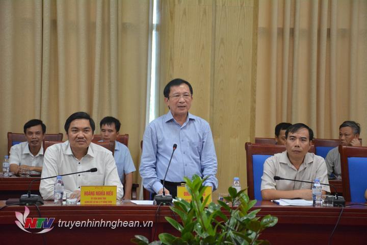 Phó Chủ tịch UBND tỉnh Đinh Viết Hồng phát biểu tại buổi làm việc.