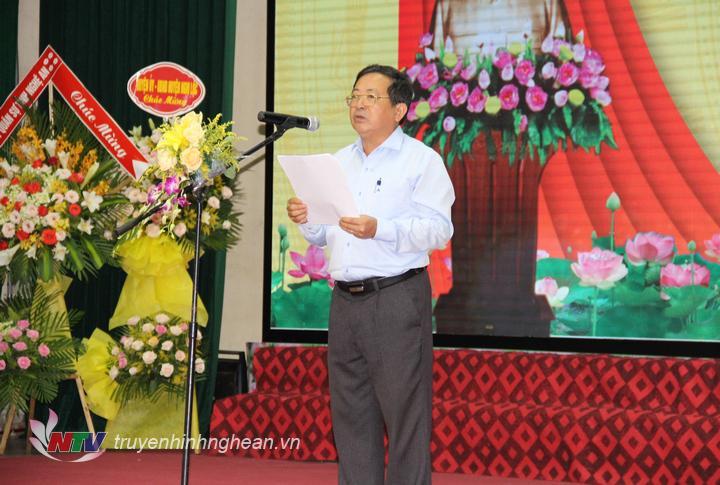 Chủ tịch Hội Nhà báo Việt Nam tỉnh Nghệ An Trần Duy Ngoãn đọc diễn văn khai mạc buổi lễ.