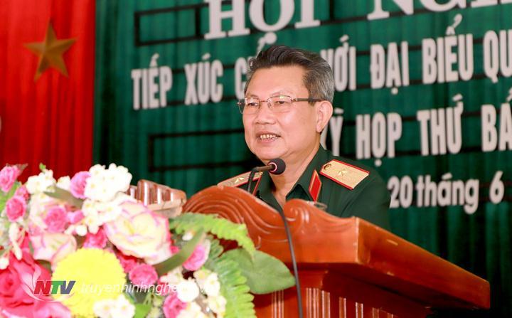 Thiếu tướng Nguyễn Sỹ Hội tiếp thu, giải trình một số kiến nghị của cử tri.