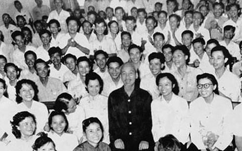Bác Hồ tại Đại hội III Hội Nhà báo Việt Nam. (Tư liệu)