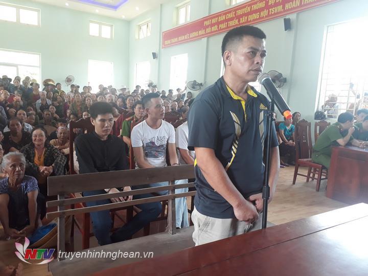 Bị cáo Cung Đình Giảng trước phiên tòa