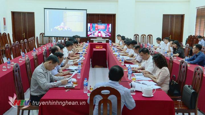 Quang cảnh tại điểm cầu Nghệ An.