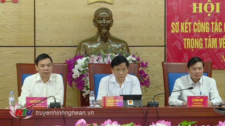 Tại điểm cầu Nghệ An có đ/c Lê Hồng Vinh - Ủy viên BTV Tỉnh ủy, Phó Chủ tịch UBND tỉnh.
