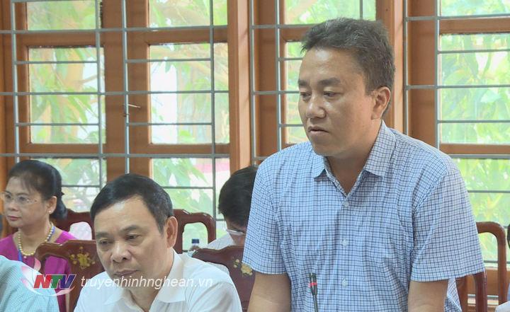 Đại diện lãnh đạo huyện Quế Phong phát biểu tại buổi làm viêc.