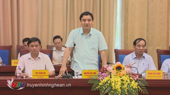 Bí thư Tỉnh ủy Nguyễn Đắc Vinh phát biểu tại cuộc làm việc.