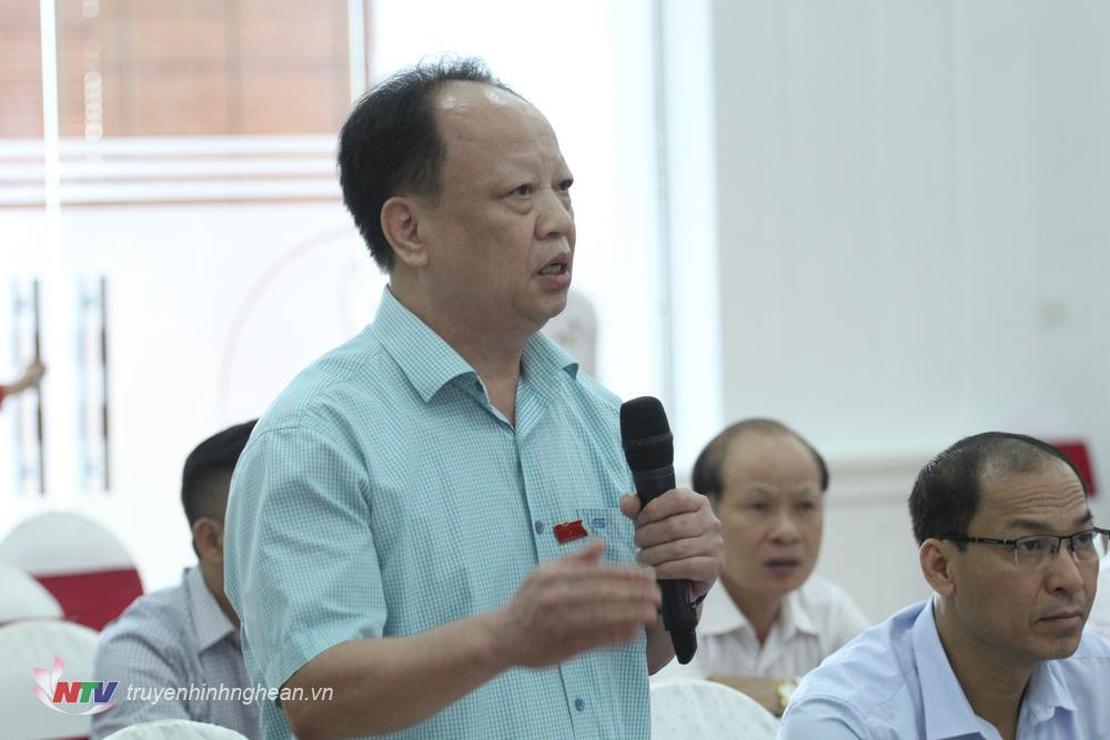 Các đại biểu cũng đã thảo luận kỹ về các hạng mục về hỗ trợ đầu tư trongNghị quyết về một số chính sách hỗ trợ phát triển ngành nghề nông thôn trên địa bàn tỉnh Nghệ An.