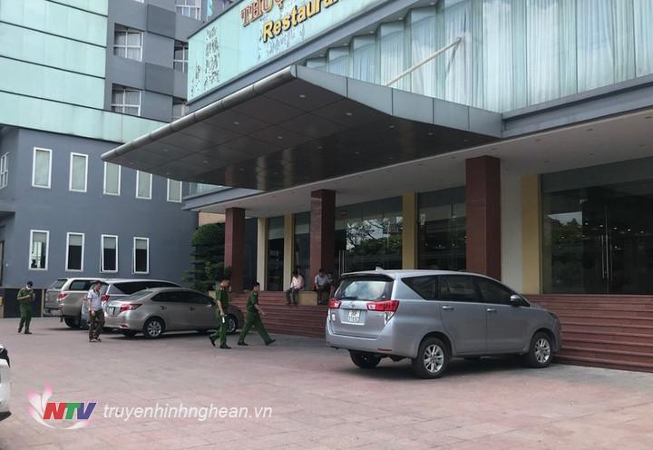 Nghệ An: Bé trai 5 tuổi rơi từ tầng 9 khách sạn tử vong thương tâm