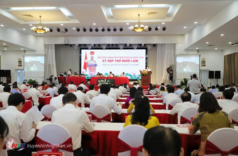 Toàn cảnh kỳ họp HĐND tỉnh lần thứ 15.
