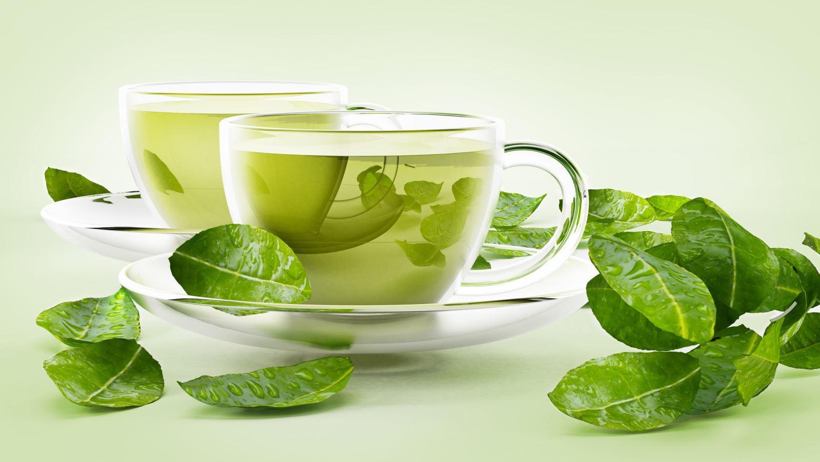 Nước trà xanh giúp giảm hôi miệng.