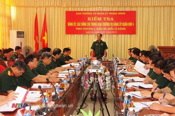 Trung tướng Trần Quang Phương - Ủy viên Trung ương Đảng, Ủy viên Quân ủy Trung ương, Phó Chủ nhiệm Tổng cục Chính trị quán triệt nội dung kiểm tra.