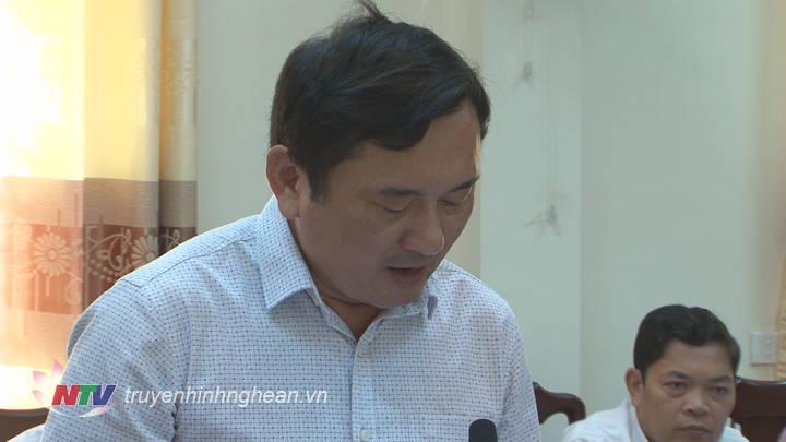 Đại diện lãnh đạo TP Vinh làm rõ một số vấn đề các đại biểu nêu tại buổi làm việc.