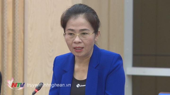 Đồng chí Võ Thị Minh Sinh - Ủy viên Ban Thường vụ Tỉnh ủy, Chủ tịch Ủy ban MTTQ tỉnh nêu kiến nghị qua nắm bắt dư luận nhân dân.