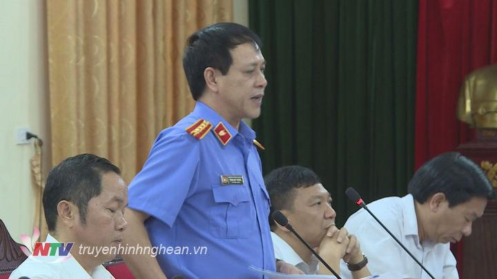 Đại diện Viện kiểm sát tỉnh phát biểu tại hội nghị.